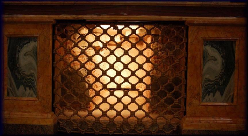 Tomba di S.Paolo: trovati i resti dell'apostolo, articolo (un po' vecchio oramai) ingrandimento dans immagini sacre sacrar1